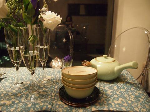 香蘭社の 茶器は目黒の家から持ってきました^^