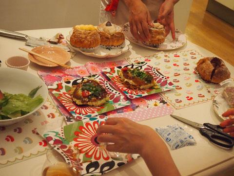 女の子達の作ったもの食べるっていいですね^^  かわいくてHAPPYな気が満ちた お部屋でした^^