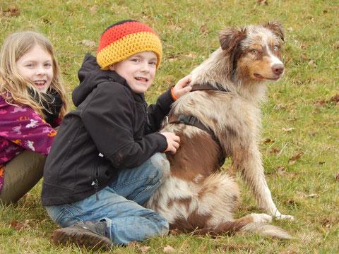 Finja und Ben mit Jack, März 2014