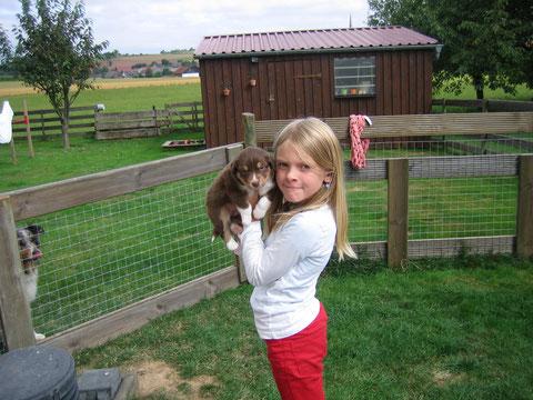 Finja mit ihrem Liebling aus dem A-Wurf, Sommer 2013