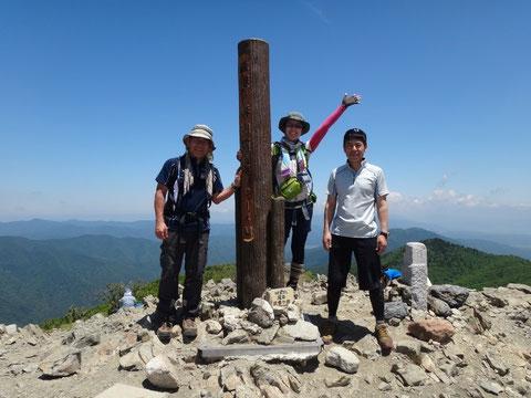 比良山系最高峰 武奈ヶ岳 (1214.4m)