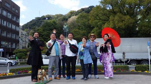 西郷隆盛像をバックに、大久保利通&篤姫と記念撮影!