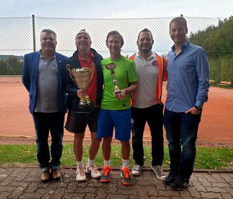 Ehrenobmann F.P. Nussbaumer, Sieger K. Vevoda, Finalist W. Kahri, Obmann J. Stuphann, Obmannstv. C. Pokorny