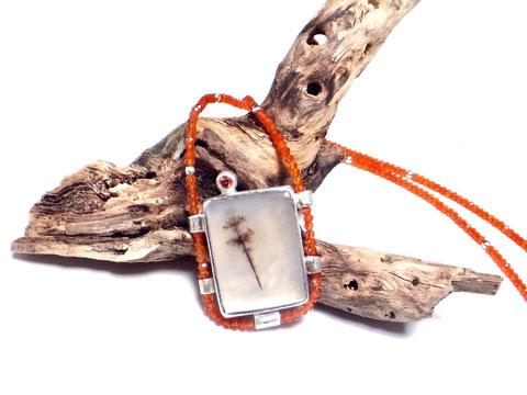Halsketten aus Edelsteinen handgefertigte Einzelstücke