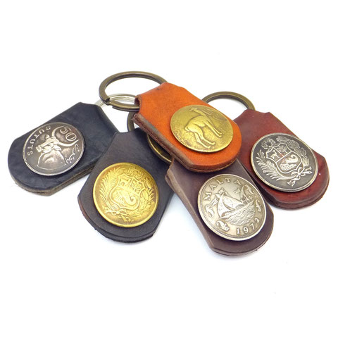 Handschmeichler aus Leder mit Originalmünzen