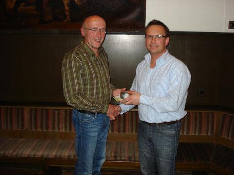Hans Wantia übergibt das Vereins-Zepter an den neuen 1. Vorsitzenden Dirk Saalmann