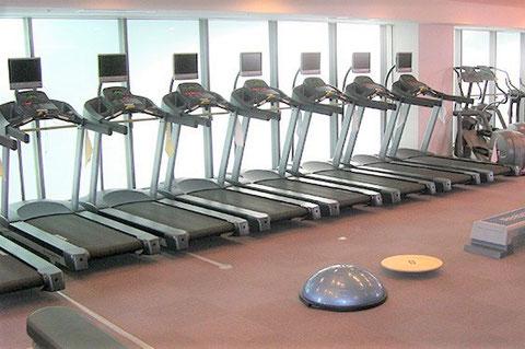パーソナルトレーニング神戸 神戸西神オリエンタルホテル(神戸市西区)ランニングマシン