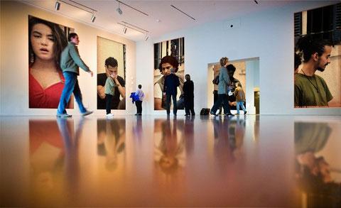 """© Hamza Lee. Les acteurs exposés. Le point de vue """"art contemporain"""" de Hamza Lee, qui n'est jamais entré dans un de ces lieux...."""