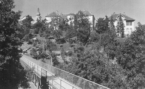 Historisches Foto der Volksschule Friedberg
