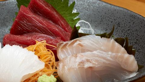 刺身盛合せです。 勝浦漁港の江戸前寿司店 鮨成田家