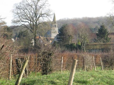 Eglise de Bailleul (XIVe) avec son clqcher à fléche en pierre.
