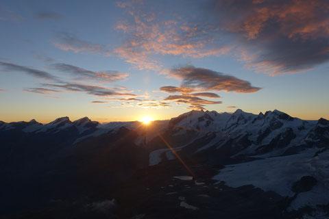 Sonennaufgan, Moterose, Dufourspitze, Nordend, Lyskamm, Breithorn, Rimpfischhorn, Allalinhorn, Strahlhorn