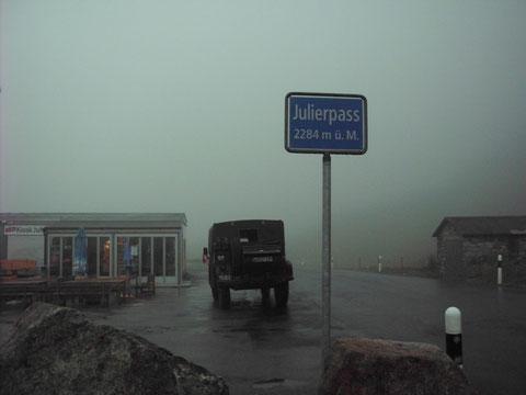 um 19 Uhr auf dem Julierpass mit 2284m heute der höchste Pass