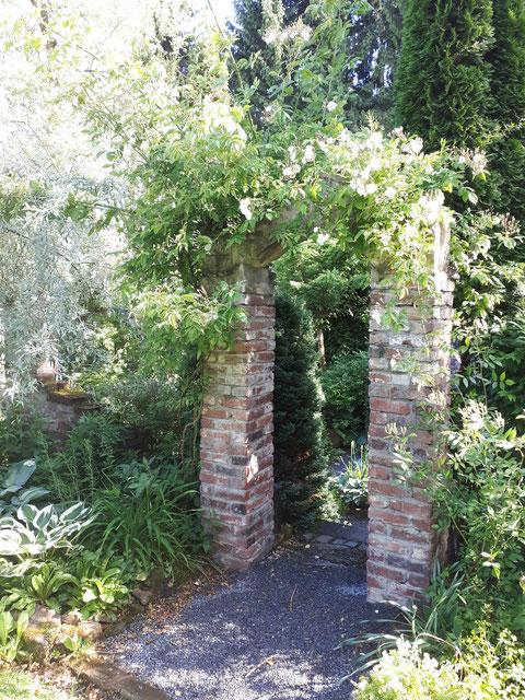Eingang in den Klostergarten
