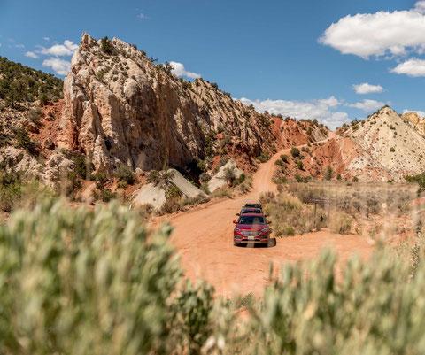kanab visitsouthernutah igoplaces.de cottonwood canyon road toadstool hoodoos dirt road usa rad rocks