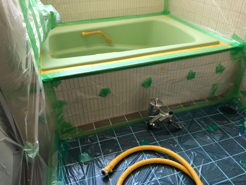 鋳物琺瑯浴槽塗装