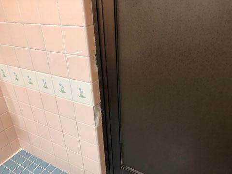 浴室タイル割れ、欠け、欠落、剥がれ