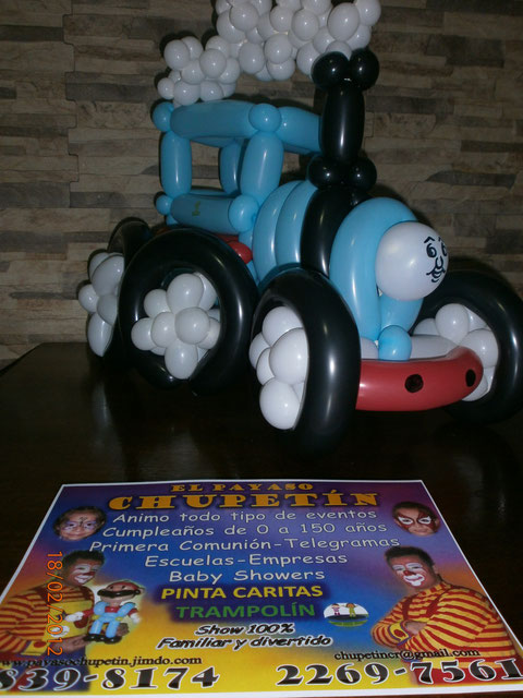 Escultura en globos del Tren Thomas