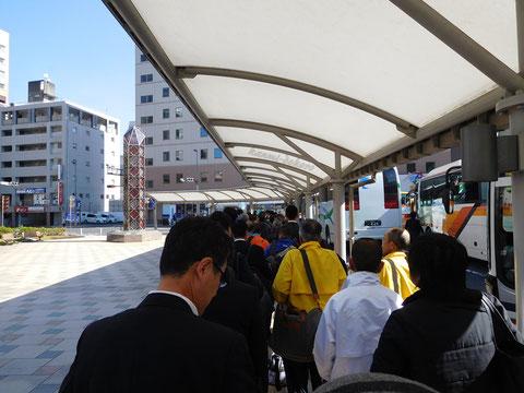 鹿児島中央駅からアリーナへシャトルバスで