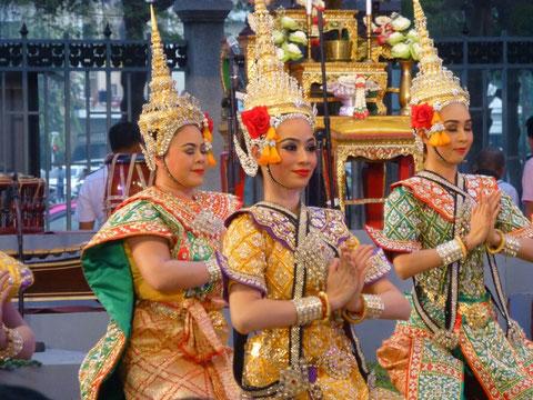 thailändische Tänzerinnen der Königsklasse