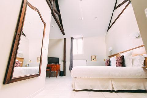 The Gem, chambre d'hôtes, maison d'hôtes, chambres d'hôtes de charme, B&B, grand lit 180x200, confort et services hoteliers, petit déjeuner inclus, 2 personnes, au 1er étage