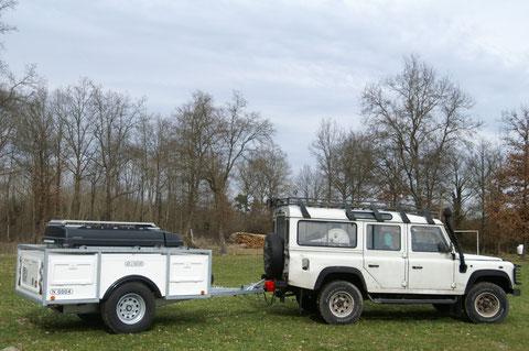 remorque de camping pour un usage hors route tout en assurant un bon niveau d'autonomie de vie