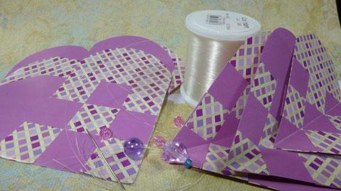Papiergirlande aus geflochtenen Herzen - Materialien