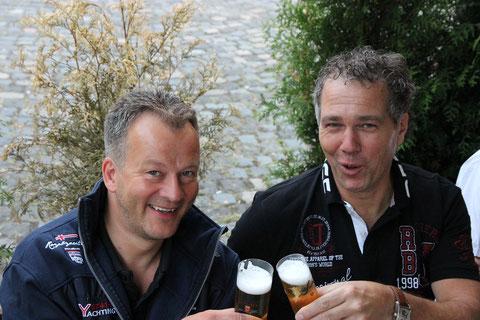 Na klar, beim nächsten Bier ;-) Na denn...Prost !
