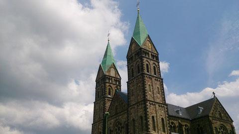 genau, Belgien, wo es auch schöne Gebäude...
