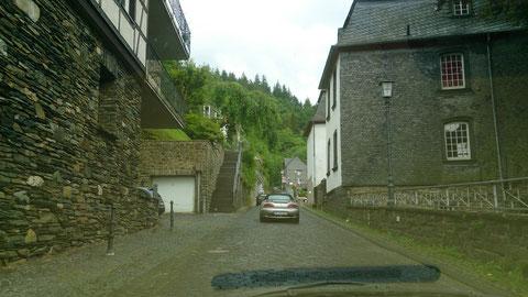und Straßen mit Kopfsteinpflaster gibt, fast wie Lüttich-Bastogne-Kölle