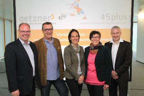 Obmann Manfred Rünzler, Frank Böhler, GF TECNOPLAST GmbH, Mag. Anita Häfele, GF Fonds Gesundes Vorarlberg, Christine Böhler, GL TECNOPLAST GmbH, Jürgen Rainalter, GF Getzner Werkstoffe GmbH