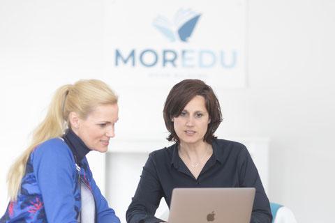 MOREDU bietet für Arbeitnehmer in Schwerin Weiterbildungen für Pflege und Betreuung an.