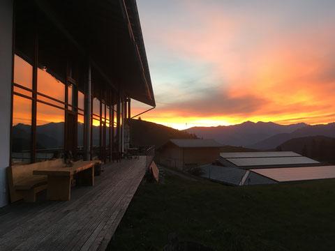Sonnenaufgang auf dem Galloway-Hof Laax am 18. Oktober 2018