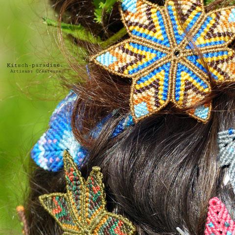 kitsch-paradise artisans créateurs création tissage macramé couleur psychédélisme nature art accessoire de cheveux coiffe barrette mandala fleur et papillon