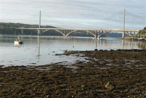 Photographie de P. Parot, au petit matin. Le Pont de l'Ironise et le Pont Albert Louppe