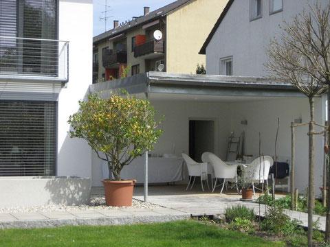 EFH in Burghausen, überdachter Freisitz