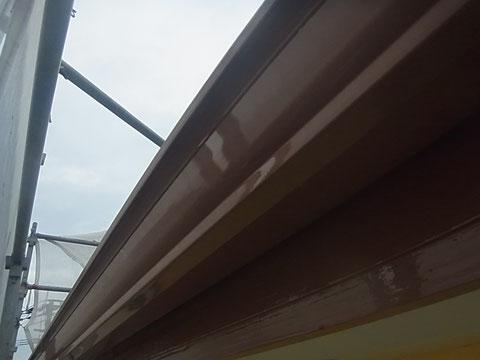 熊本市N様家の外壁塗装・屋根塗装時撮影。破風板・トイの塗り替えを高耐久・防カビ防藻塗料にて塗装完成。