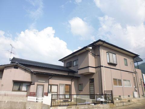 熊本県I様家の外壁塗装及び屋根塗装完成です。屋根・壁共に防カビ・高耐久ハイグレード塗料を使用しました。おしゃれ塗り替え完成です。