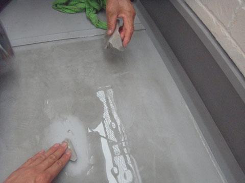 熊本県〇様邸 ベランダ床清掃状況