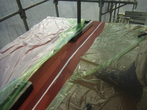 屋根防水コーキング処理。 雨漏り修理完了です。
