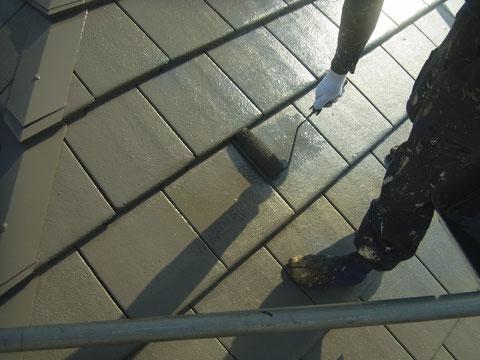 熊本〇様邸モニエル屋根塗装中