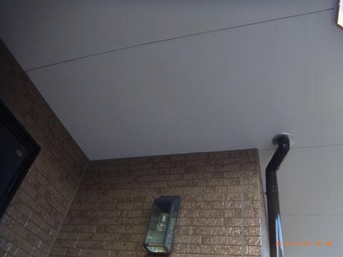 熊本県T様邸 軒天塗装完成。