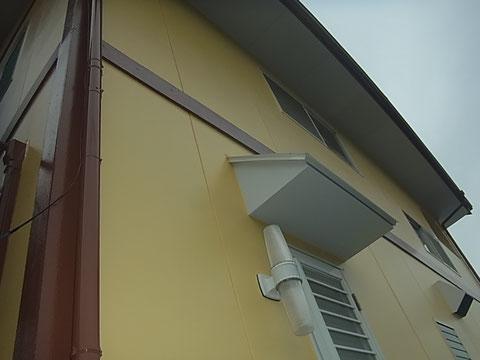 北面外壁塗り替え完成です^^また帯板・トイもおしゃれカラーでステキ!