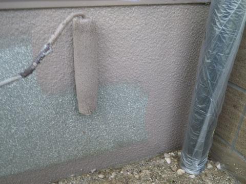 熊本県O様邸屋根・外壁塗装作業状況!既存はグレー色でブラウン色に塗り替えます。