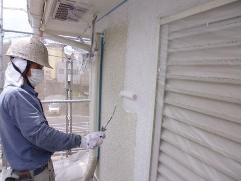 熊本市〇様宅外壁塗装作業状況。雨から家を守る塗り替えを。