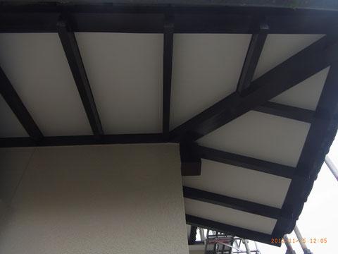 熊本T様邸軒天塗装完成。 美しく仕上げる。