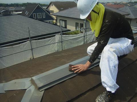 屋根板金ケレンは塗替え工事の基本