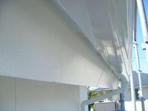 熊本H様家外壁塗装時。トイと破風板の塗装完成。高耐久塗料を使用しました。