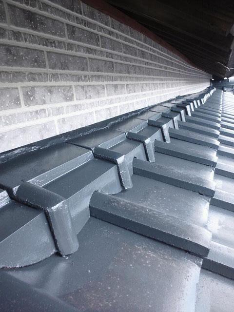 熊本県○様邸屋根塗装は下から見えなくても丁寧に塗る。
