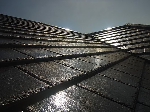 熊本市東区K様家の外壁塗装及び屋根塗装時。屋根瓦を高耐久塗料を使用し塗り替え完成。